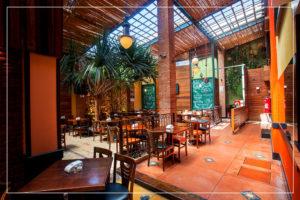 Sala dos Fundos - Caetano's Bar