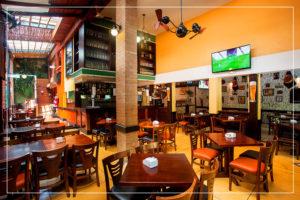 Salão Principal - Caetano's Bar - Vista do Bar