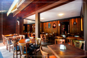Sala Lateral - Caetano's Bar - Vista pra Rua - Barzinho Zona Norte